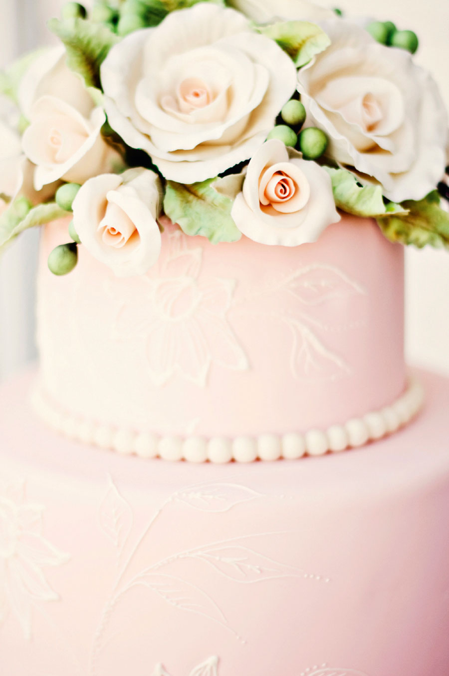 pink-cake-Trista-Weibell-iStock_000010677612Medium